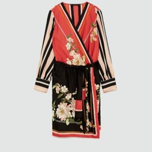 Zara Women Contrast Printed Dress Bloggers Favorit